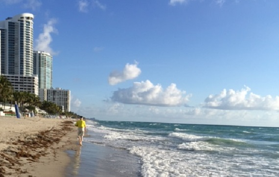 walk along the Miami beach